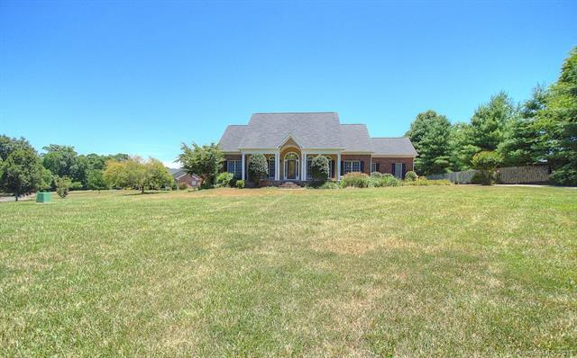 1304 Forest Bluff Drive, Midland, NC 28107 (#3411526) :: Exit Mountain Realty