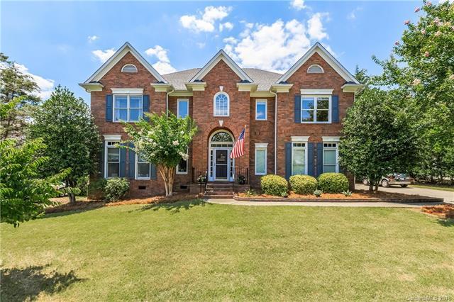 3417 Savannah Hills Drive, Matthews, NC 28105 (#3412076) :: Rinehart Realty