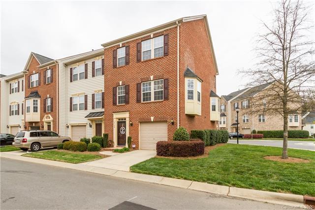 6106 Rockefeller Lane, Charlotte, NC 28210 (#3412091) :: Caulder Realty and Land Co.