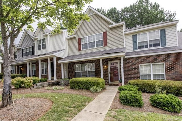 5982 Cougar Lane, Charlotte, NC 28269 (#3412102) :: RE/MAX Four Seasons Realty