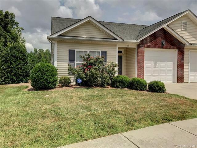 5705 Bradford Lake Lane, Charlotte, NC 28269 (#3412175) :: High Performance Real Estate Advisors