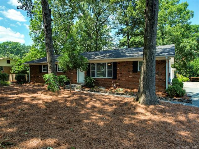 403 White Oak Lane, Matthews, NC 28104 (#3412455) :: Rinehart Realty