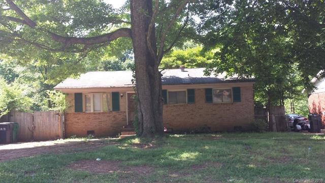 335 Echodale Drive, Charlotte, NC 28217 (#3412465) :: Rinehart Realty
