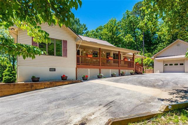 620 Thunder Road, Brevard, NC 28712 (#3412493) :: Puffer Properties