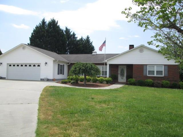 4147 Mountain View Circle, Lenoir, NC 28645 (#3412977) :: Robert Greene Real Estate, Inc.