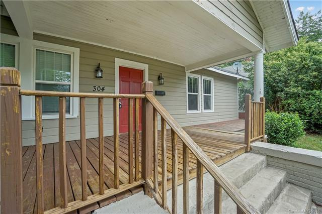 304 Woodvale Place, Charlotte, NC 28208 (#3413098) :: RE/MAX Four Seasons Realty