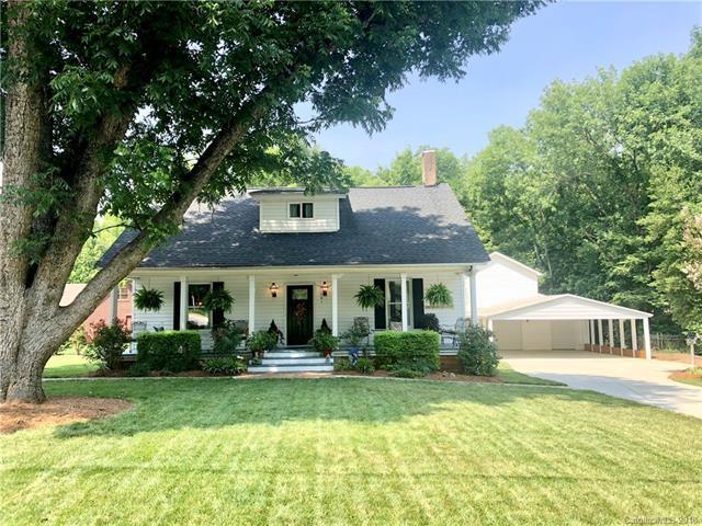 201 Main Street, Matthews, NC 28105 (#3413200) :: The Ann Rudd Group