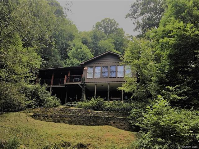 140 Rose Garden Lane, Waynesville, NC 28786 (#3413223) :: The Temple Team