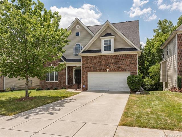 8423 Delamere Lane, Charlotte, NC 28269 (#3413279) :: Johnson Property Group - Keller Williams