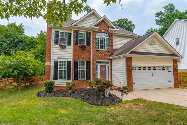 13219 Old Cedar Lane, Charlotte, NC 28215 (#3413300) :: Rinehart Realty