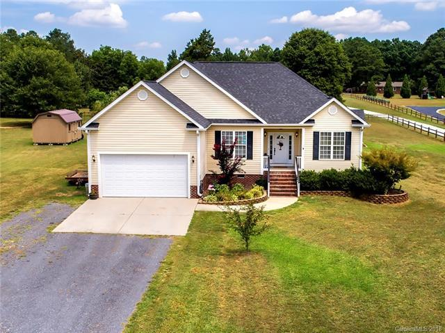 1807 Greystone Circle, Rock Hill, SC 29704 (#3413348) :: The Andy Bovender Team