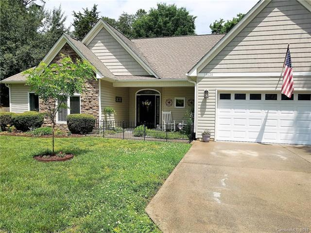 19628 Coachmans Trace #14, Cornelius, NC 28031 (#3413406) :: The Premier Team at RE/MAX Executive Realty