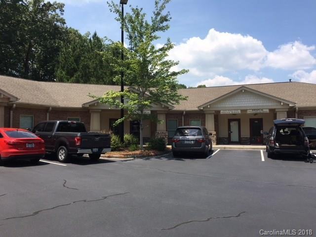 6911 Shannon Willow Road #500, Charlotte, NC 28226 (#3413513) :: Caulder Realty and Land Co.