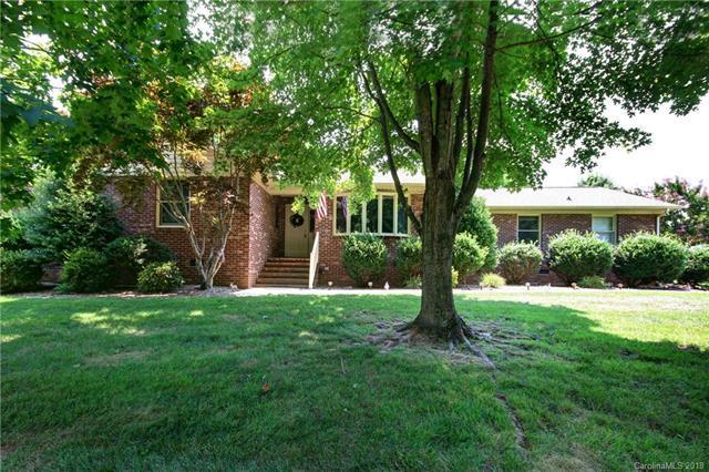 2650 Fines Creek Drive, Statesville, NC 28625 (#3413816) :: Rinehart Realty