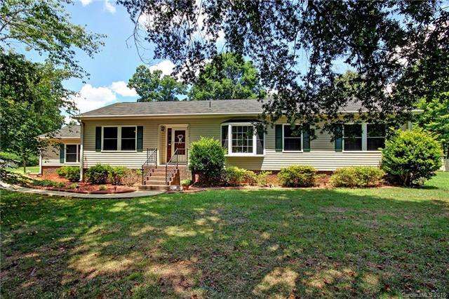 159 Scotland Drive, Mooresville, NC 28115 (#3413866) :: Besecker Homes Team