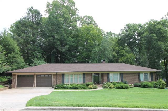 910 Hemlock Drive NE, Lenoir, NC 28645 (#3413916) :: Exit Mountain Realty
