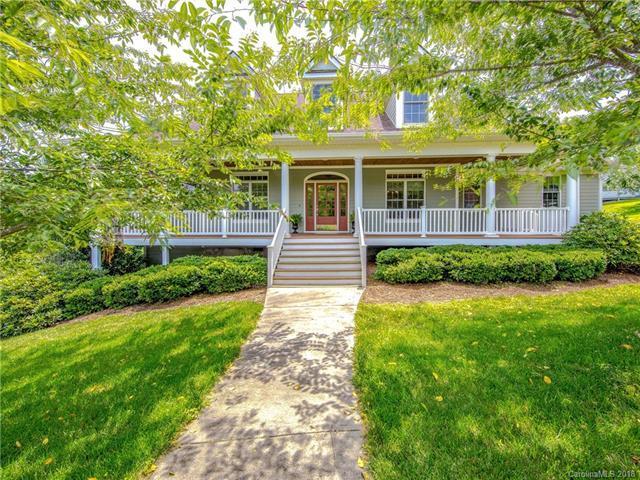 910 Rickel Drive, Hendersonville, NC 28739 (#3414095) :: Puffer Properties