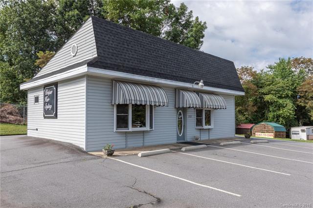 2121 Hwy 70 Highway, Swannanoa, NC 28778 (#3414510) :: Puffer Properties