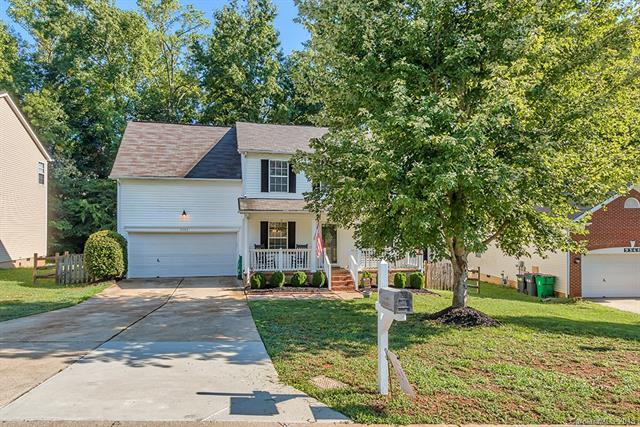 9352 Golden Pond Drive #136, Charlotte, NC 28269 (#3414517) :: The Sarver Group