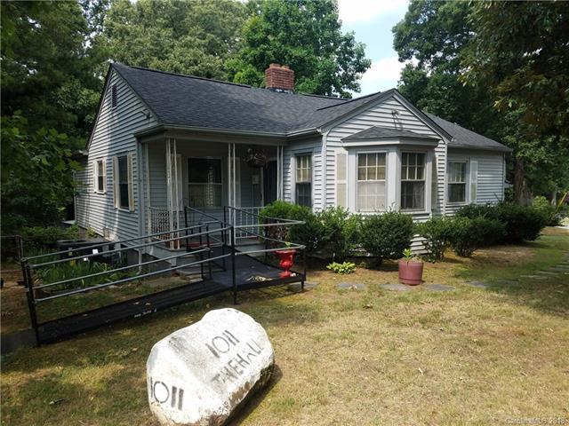 1011 Holland Avenue, Gastonia, NC 28052 (#3414582) :: RE/MAX Four Seasons Realty