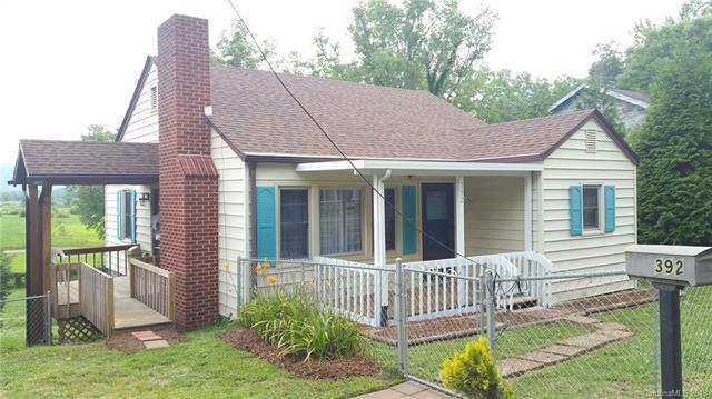 392 Old Hendersonville Highway, Brevard, NC 28712 (#3414600) :: Mossy Oak Properties Land and Luxury