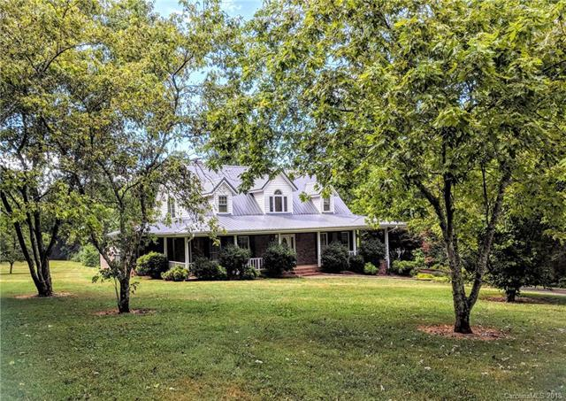 3010 Peachtree Street Extension, Claremont, NC 28610 (#3414618) :: David Hoffman Group