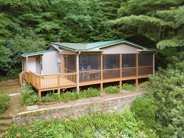 1198 Walker Road, Waynesville, NC 28786 (#3414678) :: LePage Johnson Realty Group, LLC