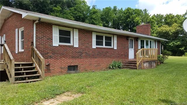 1962 Pisgah Drive, Canton, NC 28716 (#3414679) :: Century 21 First Choice