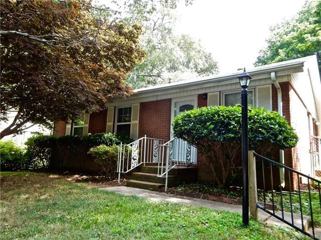 4023 Dawnview Place, Charlotte, NC 28208 (#3414766) :: Puma & Associates Realty Inc.