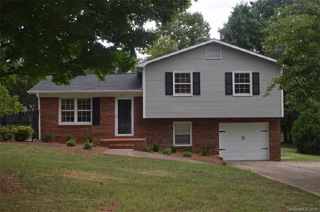 127 Sparrow Lane, Statesville, NC 28625 (#3415091) :: LePage Johnson Realty Group, LLC