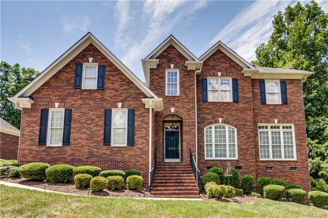 16400 Riverpointe Drive, Charlotte, NC 28278 (#3415166) :: High Performance Real Estate Advisors