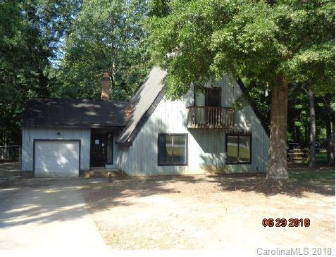 8009 Beacon Hills Road, Indian Trail, NC 28079 (#3415431) :: Charlotte Home Experts
