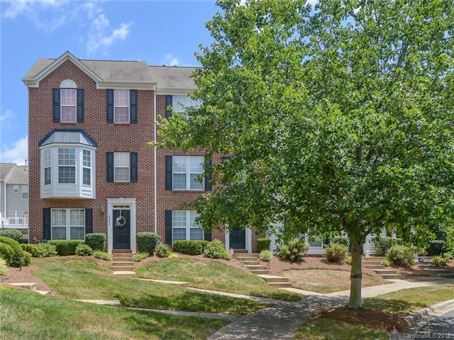 9520 Blossom Hill Drive, Huntersville, NC 28078 (#3415619) :: The Sarver Group