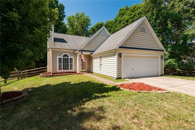 8310 Springhead Lane, Charlotte, NC 28215 (#3415647) :: Exit Mountain Realty