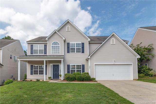 5901 Parkstone Drive, Matthews, NC 28104 (#3415652) :: Scarlett Real Estate