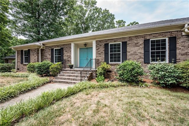 7000 Knightswood Drive, Charlotte, NC 28226 (#3416019) :: Exit Mountain Realty