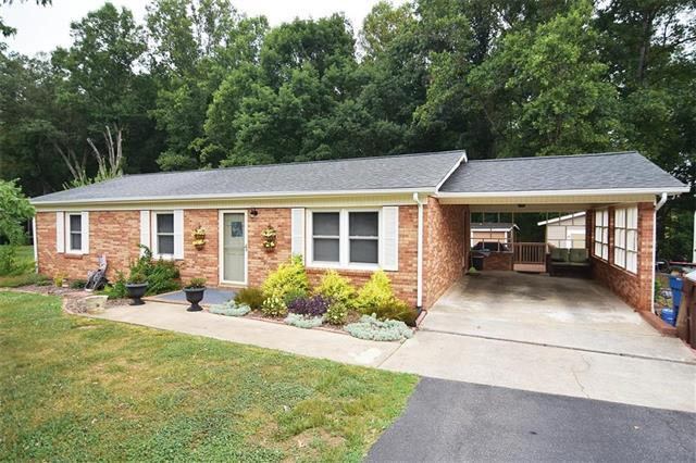 2428 Side Lane, Conover, NC 28613 (#3416025) :: Stephen Cooley Real Estate Group