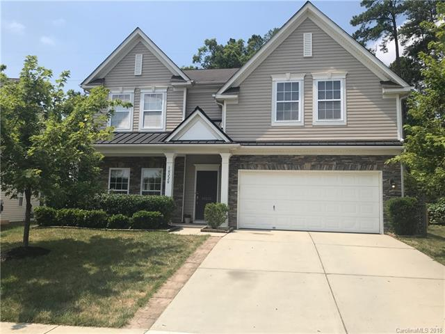 10220 Dominion Village Drive, Charlotte, NC 28269 (#3416057) :: Puma & Associates Realty Inc.