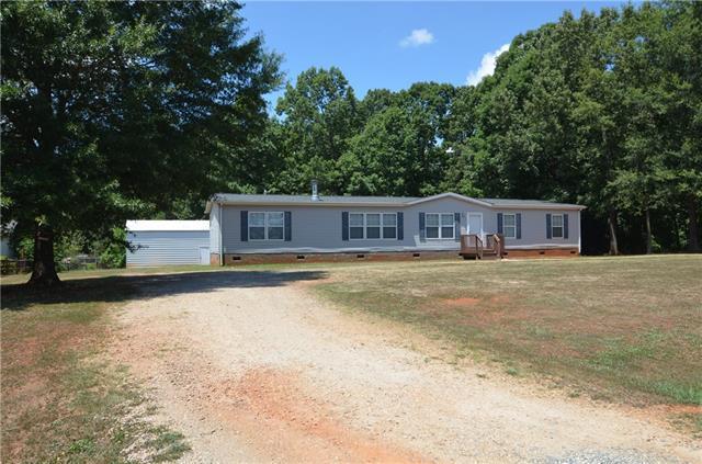 1394 Maiden Woods Circle, Maiden, NC 28650 (#3416141) :: Team Honeycutt