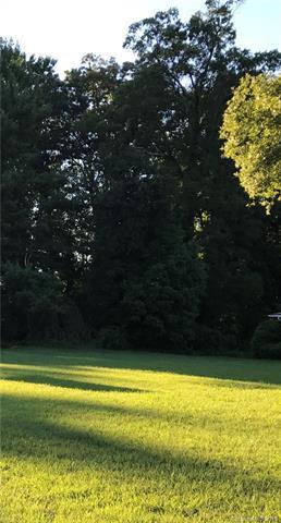 6242 Pleasant Grove Road, Charlotte, NC 28216 (#3416157) :: Homes Charlotte