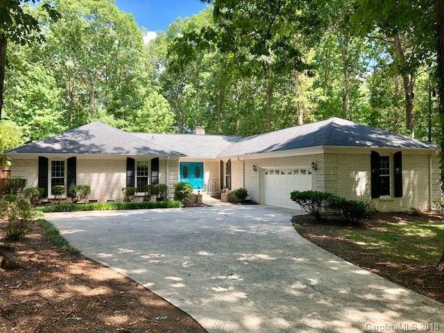 733 Courtney Lane, Matthews, NC 28105 (#3416188) :: Scarlett Real Estate