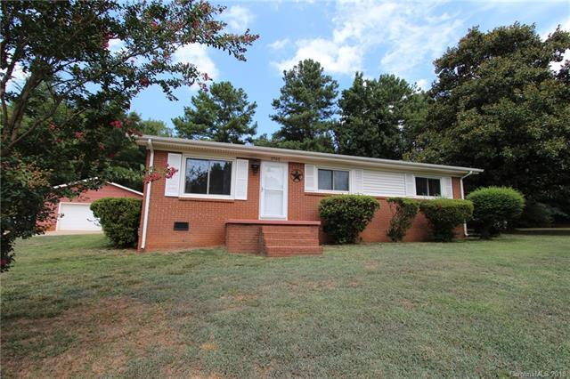 3702 Patricia Drive NW, Concord, NC 28027 (#3416200) :: Keller Williams South Park
