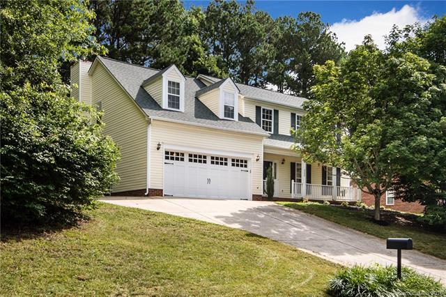 3230 Crescent Knoll Drive, Matthews, NC 28105 (#3416477) :: Exit Mountain Realty