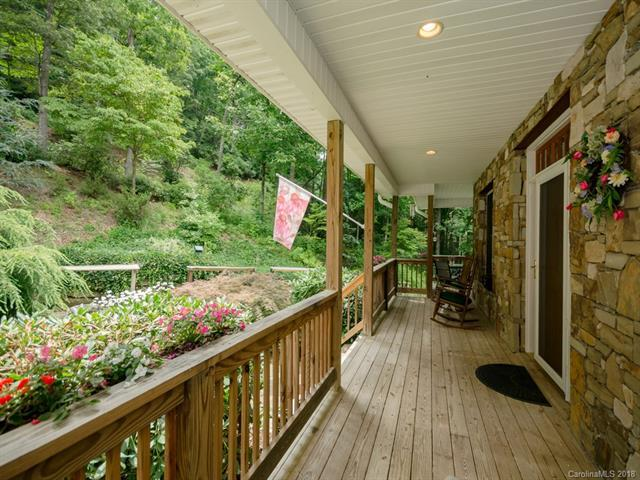 131 Whippoorwill Lane, Hendersonville, NC 28739 (#3416686) :: Exit Mountain Realty
