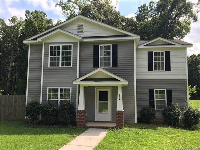 2724 Suburban Drive, Charlotte, NC 28269 (#3416802) :: The Andy Bovender Team