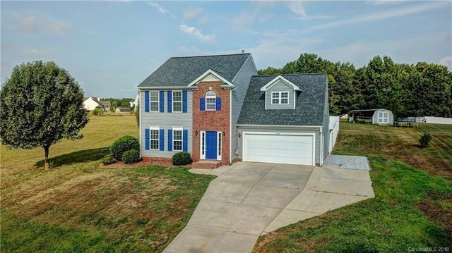 374 Brook Glen Drive, Mooresville, NC 28115 (#3416838) :: Exit Mountain Realty