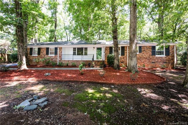 7116 Lakeside Drive, Charlotte, NC 28215 (#3416893) :: The Elite Group
