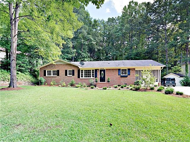 2701 Kendrick Drive, Charlotte, NC 28214 (#3416965) :: High Performance Real Estate Advisors