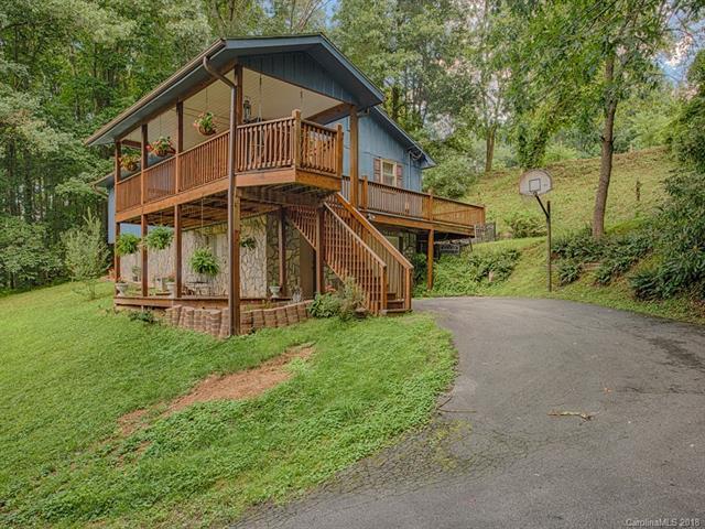 294 Fairway Hills Drive, Waynesville, NC 28786 (#3416973) :: Besecker Homes Team