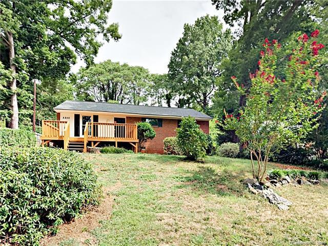 5220 Queen Anne Road, Charlotte, NC 28217 (#3417424) :: Exit Mountain Realty